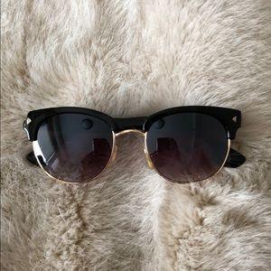 Accessories - Sunglasses! Super cute pair of sunnies.